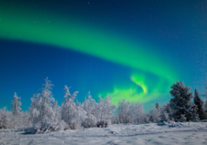 Magic-northern-lights-in-Finnish-Lapland-Taxari-Travel