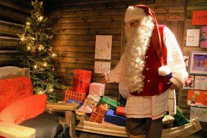 Santa-Claus-Visit-Taxari-Travel-Lapland-05