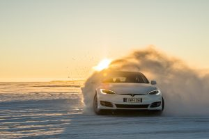 ICE-DRIVING-TESLA-005